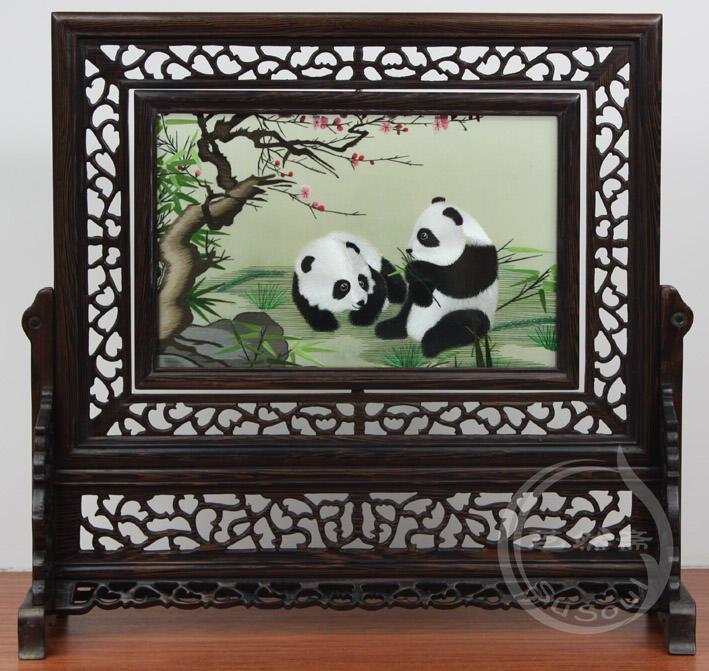 熊猫伉俪 小型双面绣-鸡翅木方架