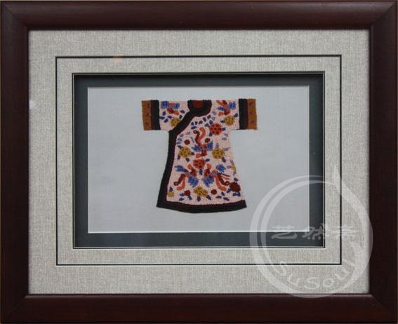 凤袍 打籽绣服饰小摆件-中国特色礼品
