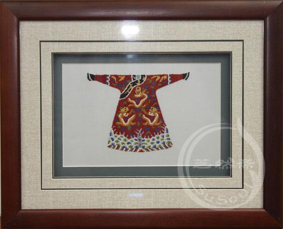 龙袍 打籽绣服饰小摆件-中国特色礼品