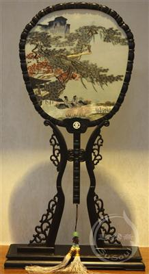 清秋锦华地 中国风礼品-紫光檀宫扇