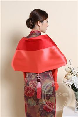 贡缎拼布苏绣围巾 牡丹