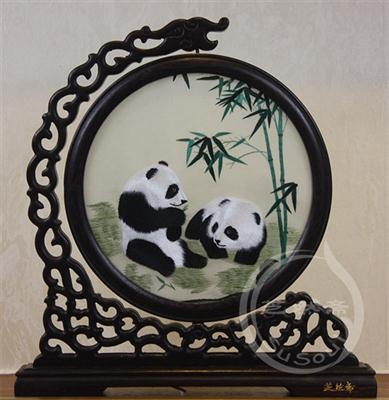 熊猫刺绣摆件